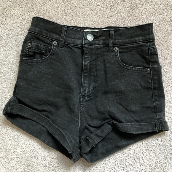 🌼2 FOR $30🌼 GARAGE High rise black denim shorts